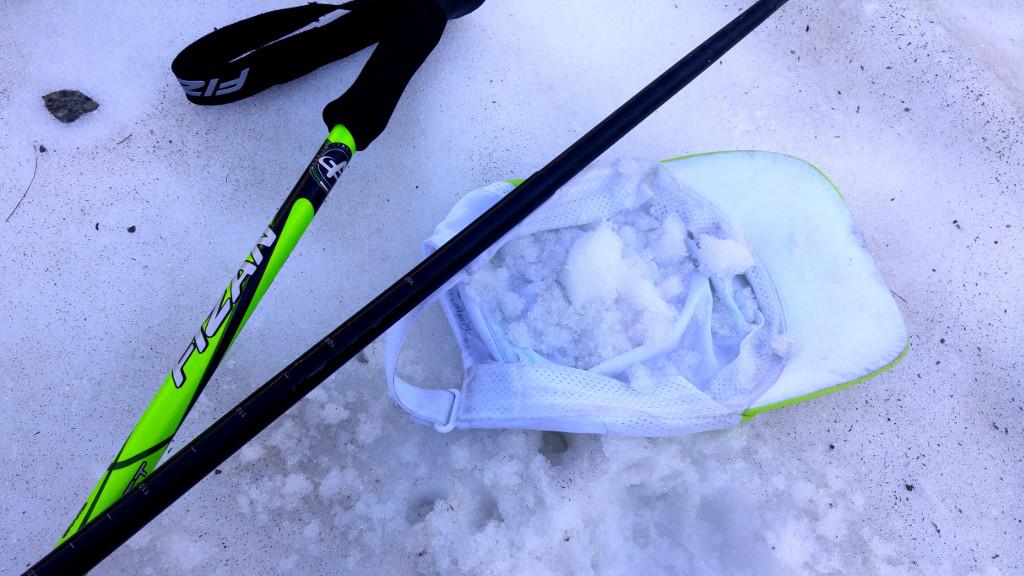 Lód do czapki, lód w kompresy i lód w bandanę na szyi