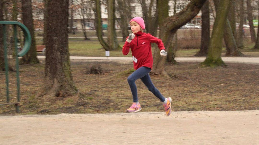 Młoda Eliza Galińska - Parkrun Pruszków. Zdjęcie rodzinne