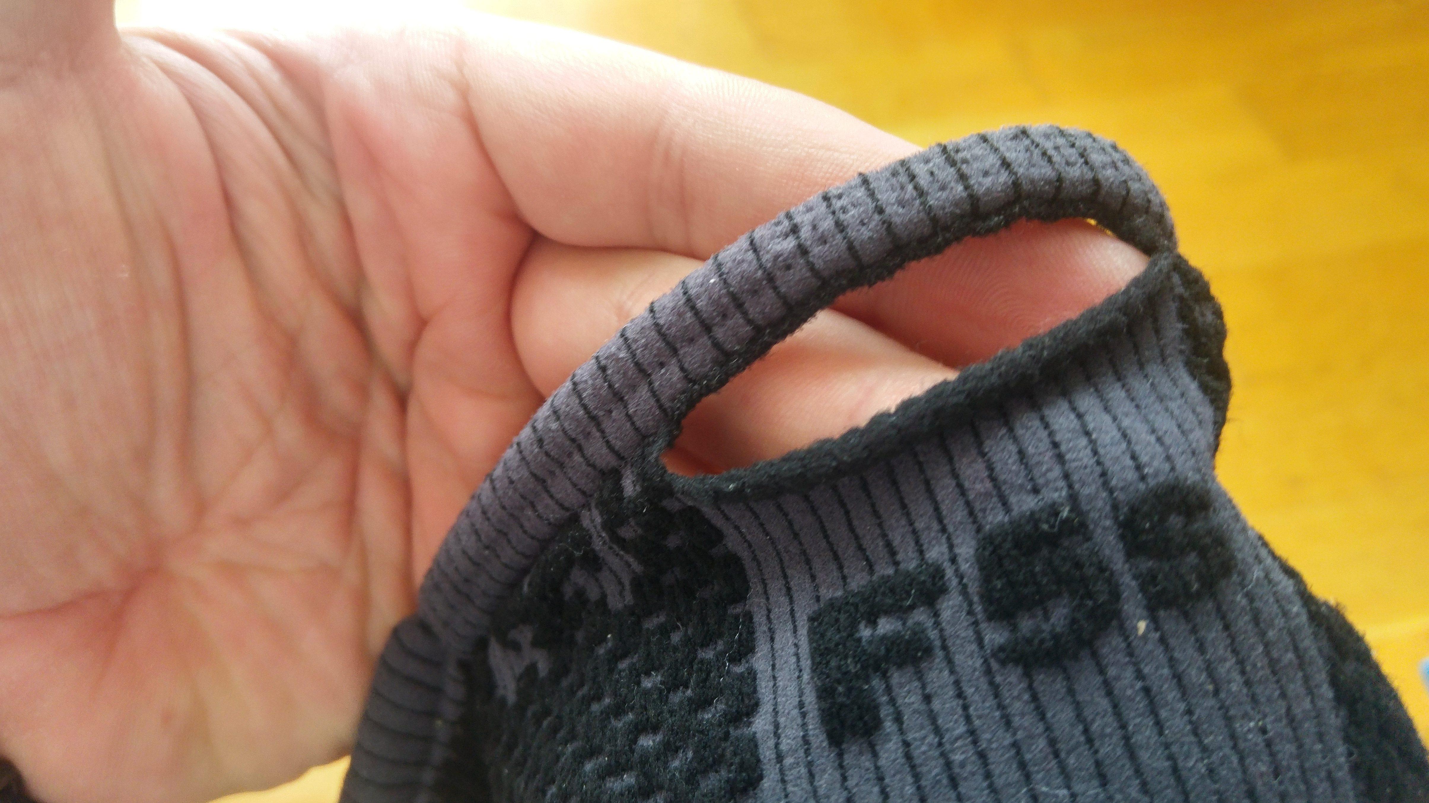 Maski przeciwsmogowe: Naro F5s i dziura na uszy