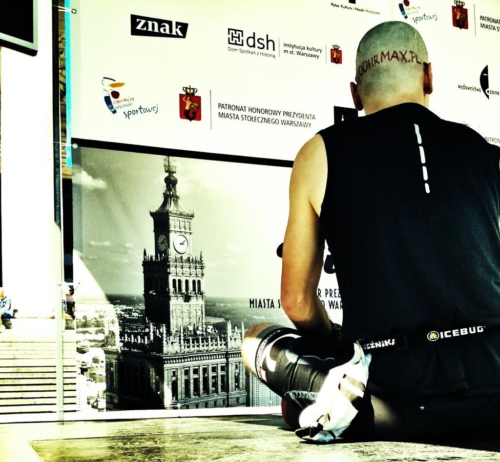 Bieg na szczyt PKiN - medytacja